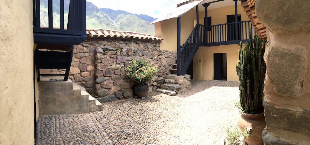 Secret Garden House, Town Center - Ollantaytambo - House