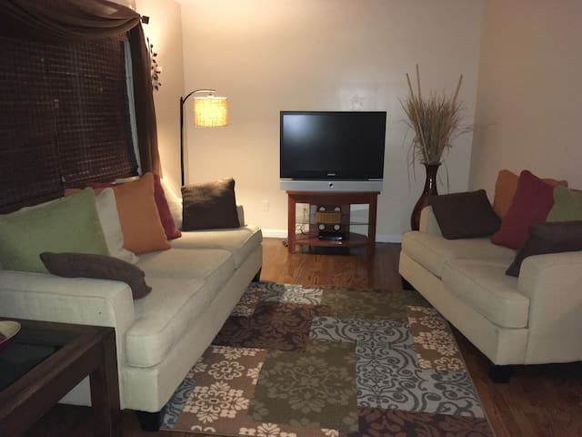 Cozy and clean 2 bedroom  condo
