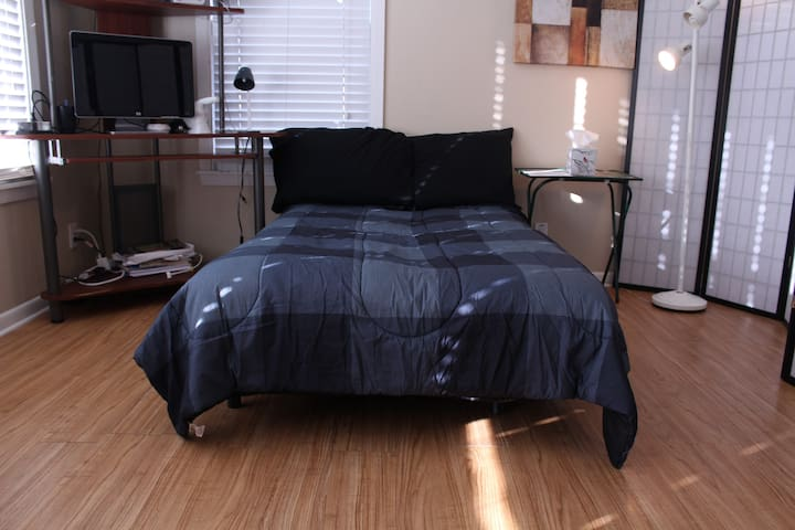 Cushioned Futon at Unbeatable Price - Corpus Christi - Hus