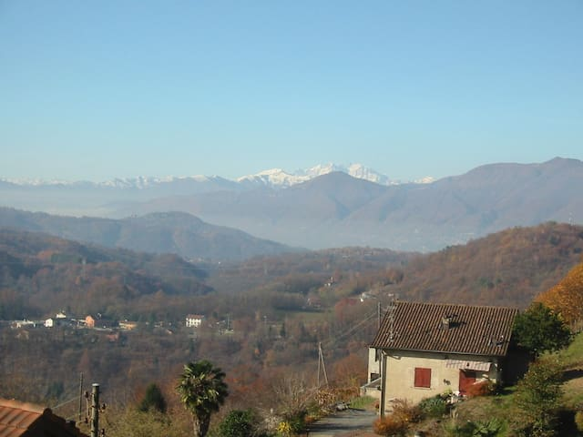 House in peaceful area with views of Monte Rosa