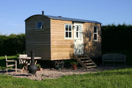 The Shepherd's Hut at Cadleigh - fully en-suite