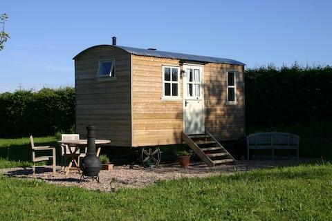 The Shepherd's Hut at Cadleigh - fully en-suite