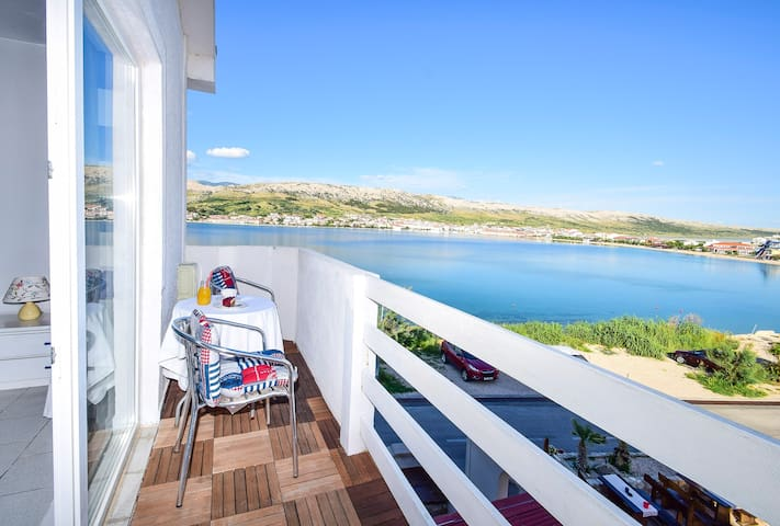 Revelin Guest House, Pag - Sea View - Pag - Bed & Breakfast