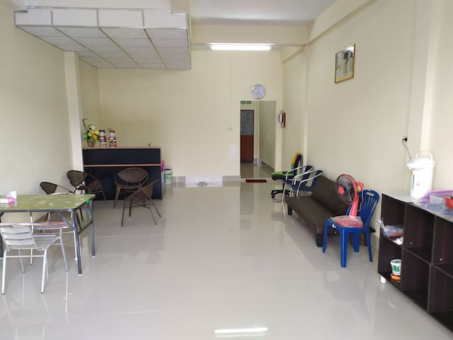 Private home 1 person = 190 baht