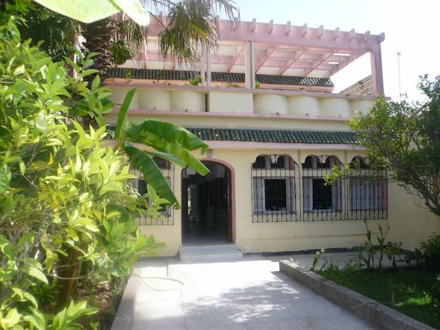 belle villa a 5 mn de la mer - Sidi Bouzid - Hus