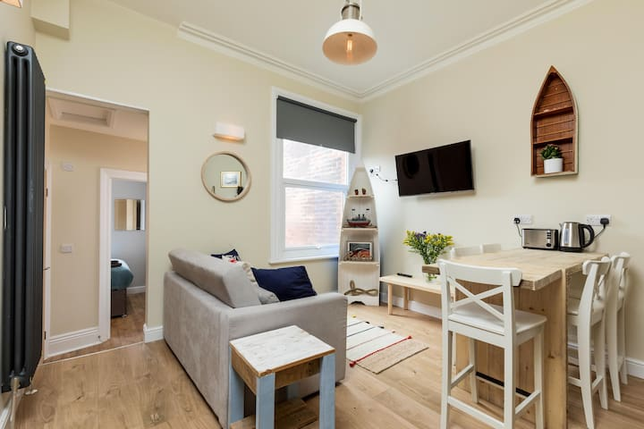 Brand New Boutique 2 bedroom Holiday Suite-Sellers
