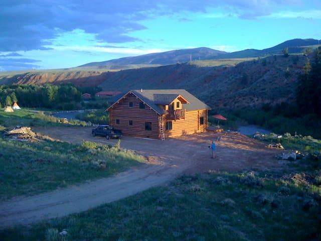 Yellowstone/Wind River Log Cabin