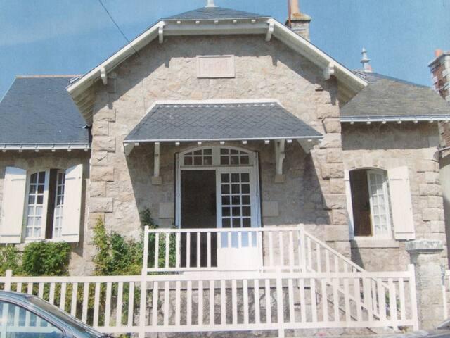 Maison de famille avec jardin clos - Bretagne Sud