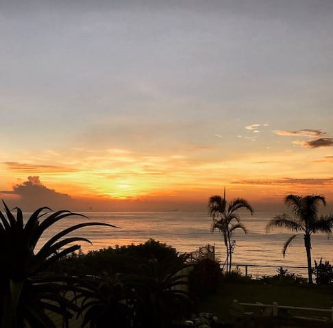 Sunrise,Sea view&lovely garden.Home away from Home - Umdloti