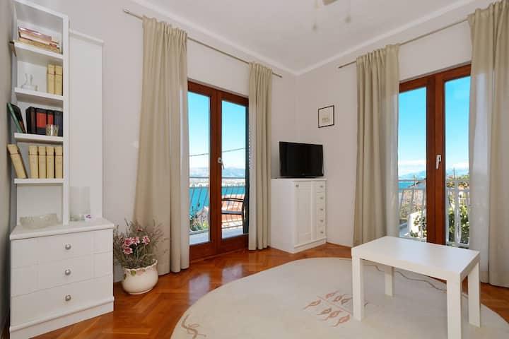 VONGOLA 2 apartment in Mastrinka, near TROGIR