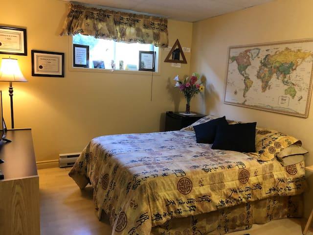1 Chambre(J) privée à louer à Mont St-Hilaire