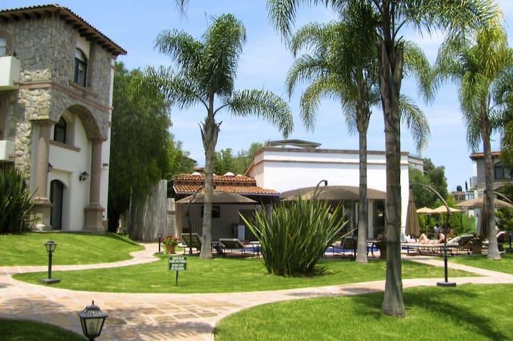 LOVELY APARTMENT, SHORT WALK TO CENTER OF TOWN. - San Miguel de Allende - Apartment