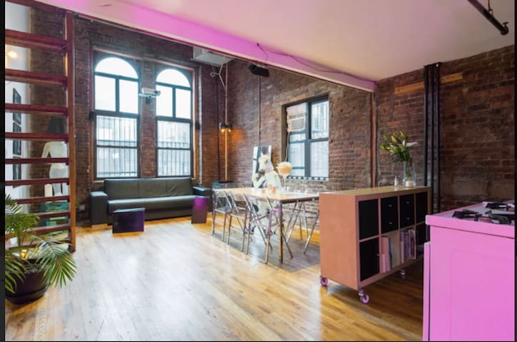 Stylish Large Bright Brooklyn Loft!!