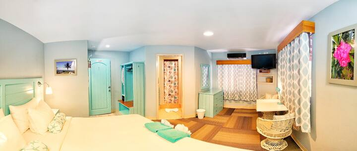 Hummingbird Suites Maya Beach Comfort King Room 1