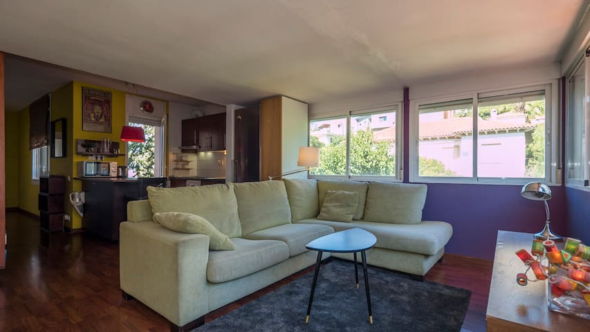 Sunny spacious 1BD apartment