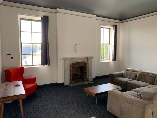 1 Bedroom Apartment in centre of town