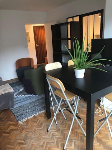 appartement cosy dans le 11eme avec balcon