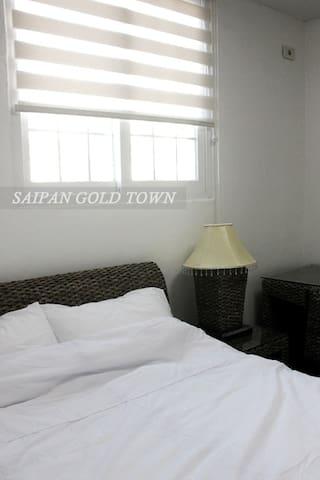 Gold Town 2인실(더블베드1개)