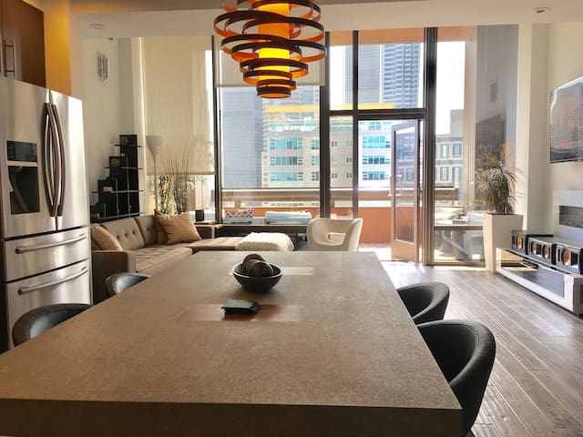SK Living | DTLA | 2 Level | Luxury Loft | Balcony