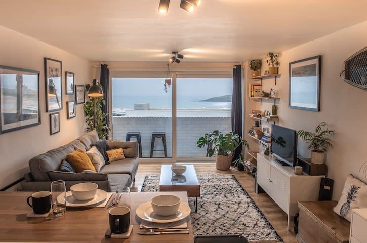 Stunning Apartment overlooking Fistral Beach