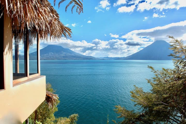 Breathtaking Views - Cliffside Waterfront Retreat - Sta. Cruz La Laguna - Daire