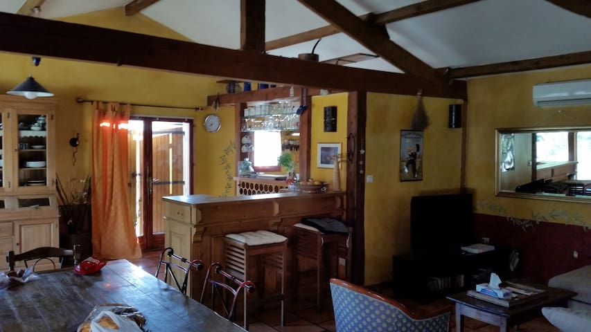 villa 130 m² en pleine campagne - Velleron - Hus