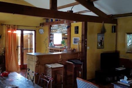 villa 130 m² en pleine campagne - Velleron - บ้าน