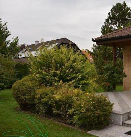 Schönes Haus mit Garten - Traiskirchen