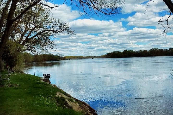 Ritchie's Riverfront Portage Place