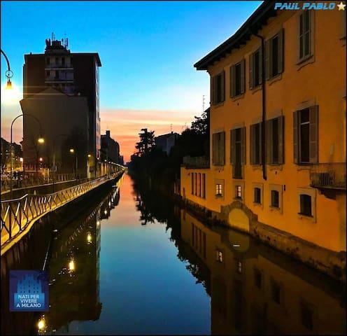 NICE FLAT IN DARSENA'S HEART, Naviglio, Milano - Milão - Apartamento