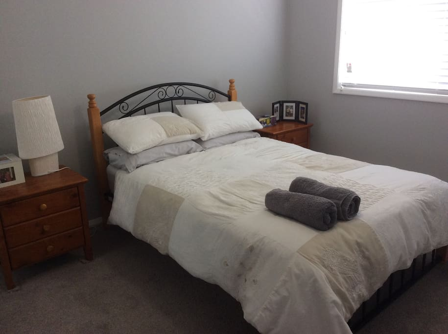 2nd double bedroom available.