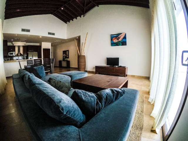 Beautiful Upscale Villa Pristine Bay Golf Resort