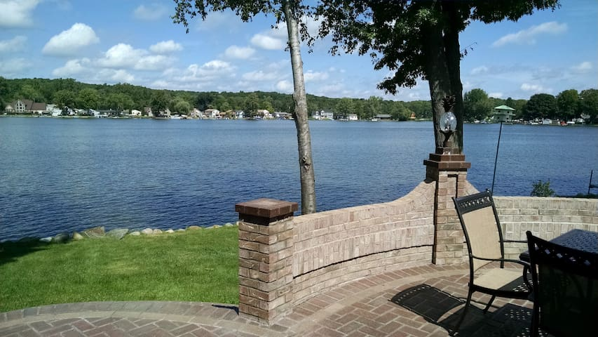Peaceful Home on Pontiac Lake - White Lake charter Township - Casa