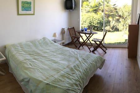 chambre dans maison familiale - Rumah