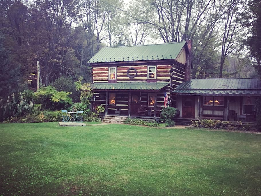 Cozy cabin along stream 20 minutes from penn state for Cozy cabins pa