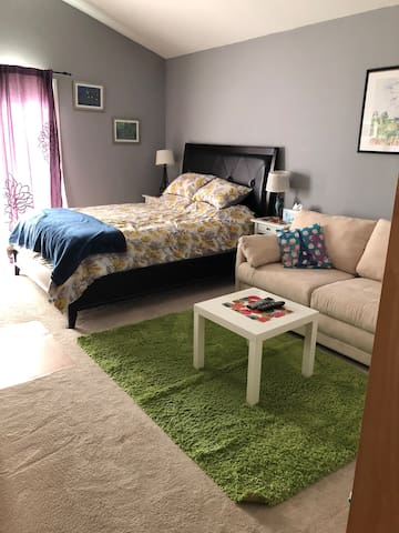 Comfy 2 bdrm home in So Cal!