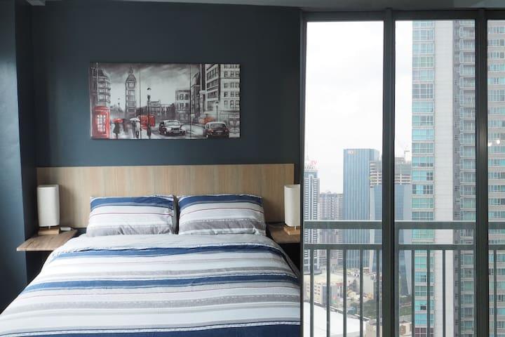 ❣️Sky High 2BR Corner Suite Near EDSA Shangri-La