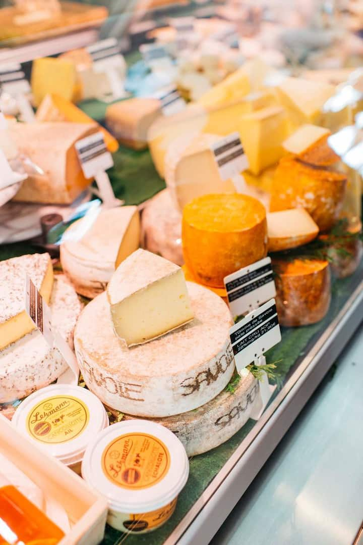 Try all kind of delicious cheeses!
