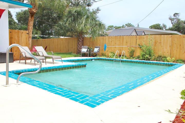 Pool Home Near Downtown & Beaches