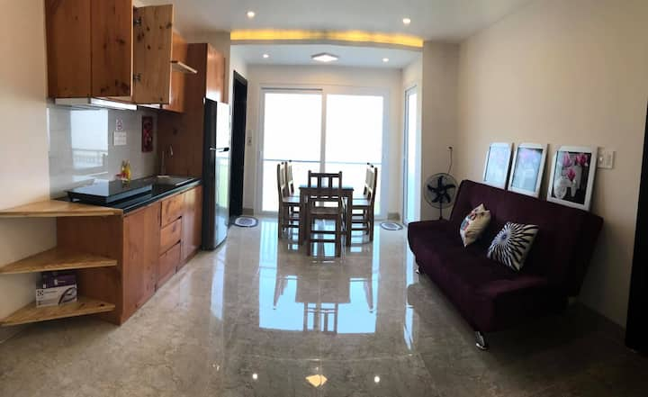 Spacious 2 bedrooms Apt w/ ocean view! 402