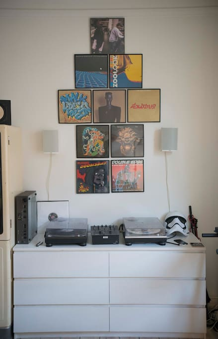 Room 1: Music system and shelfs.
