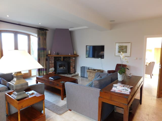 The Granary. Near York. Dog Friendly. 5* Gold - North Yorkshire - House