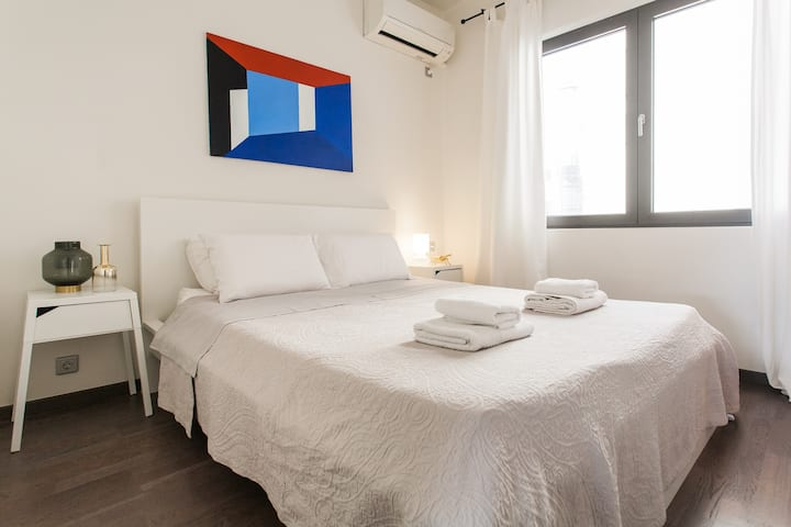 Luxurious Loft-10 min walk from the Acropolis
