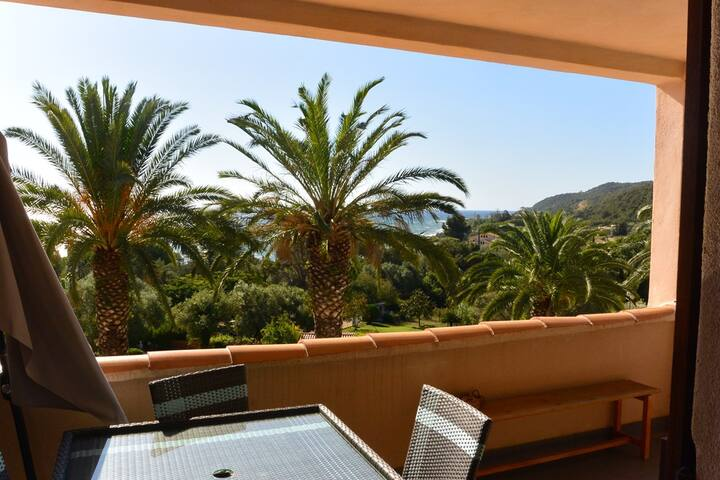 CARDELLINI 5 -  POOL IN RESIDENCE - SEA VIEW