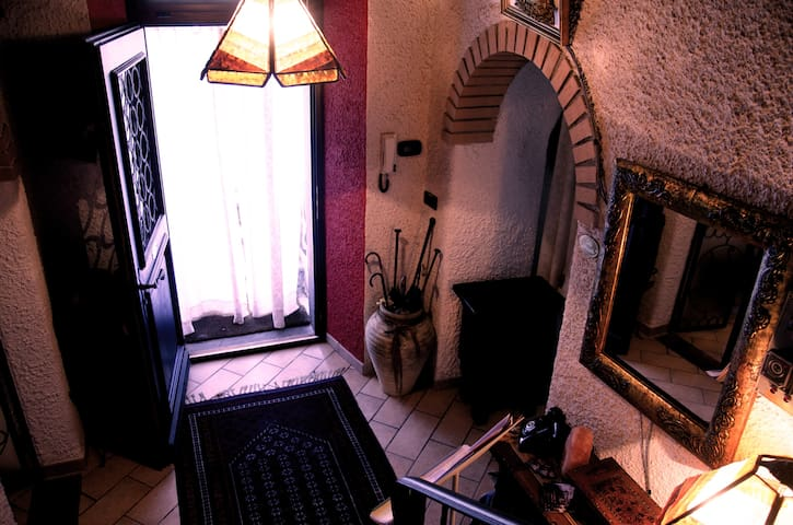 Room w/ two beds (can make double) - Domodossola - Bed & Breakfast