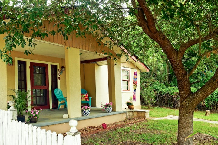 Blue Crab Bungalow: secluded dog-friendly beaches