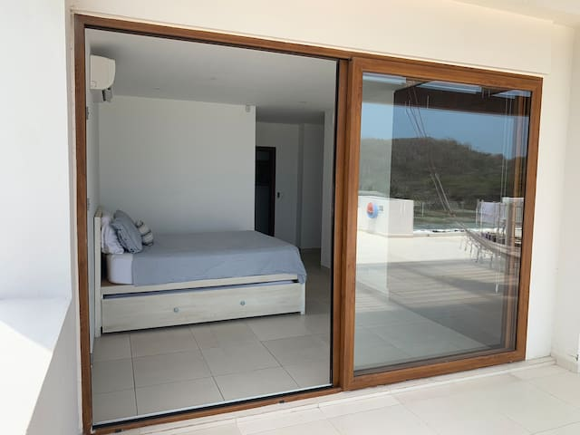 Dormitorio Master con salida a la Terraza