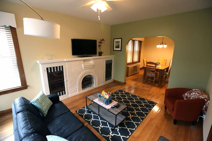 Spacious Tree Lined Avondale/Irving Park Getaway - Chicago - Wohnung