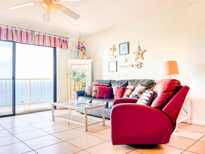 The Summit 1217 - Gulf front condo with private balcony & beach views - pool, hot tub & gym!