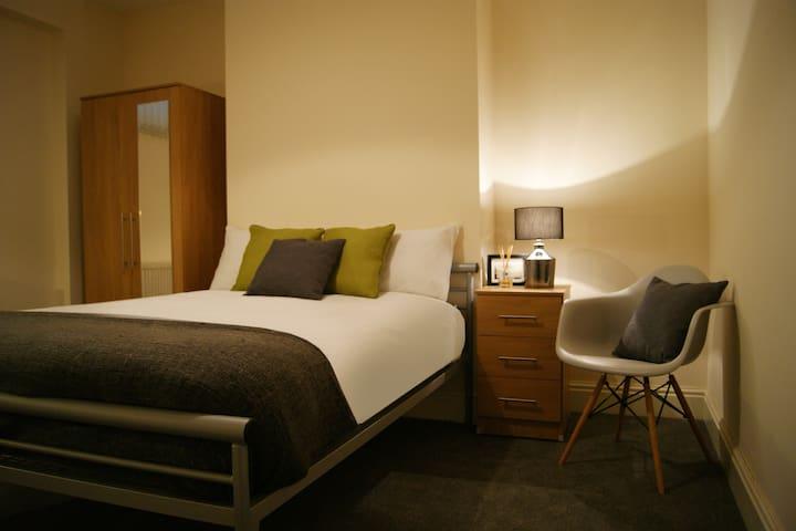 Birmingham Guest House 1, Room 3 - Oldbury - Guesthouse